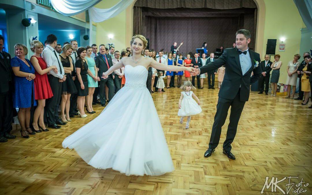 Jak wybrać pierwszy taniec na wesele?